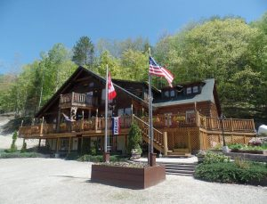 Hawk's Nest Lodge & Restaurant